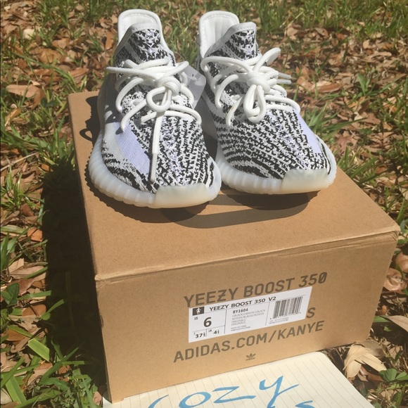 Yeezy scarpe adidas sply 350 v2 zebra donne dimensioni 6 poshmark